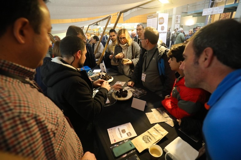 Black truffle sale in Trufforum event