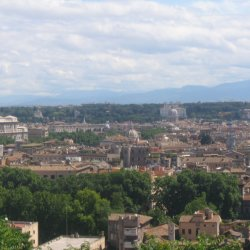 """Roma as seen from Gianicolo Hill"" by Mac9 - licensed under CC BY-SA 2.5"