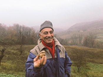 Truffle picker in the Appennines mountain range