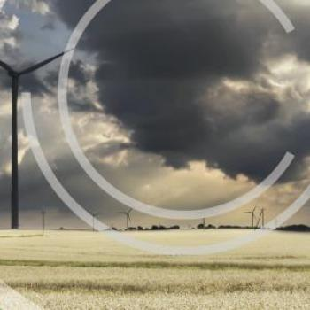 Wind turbine and arable field